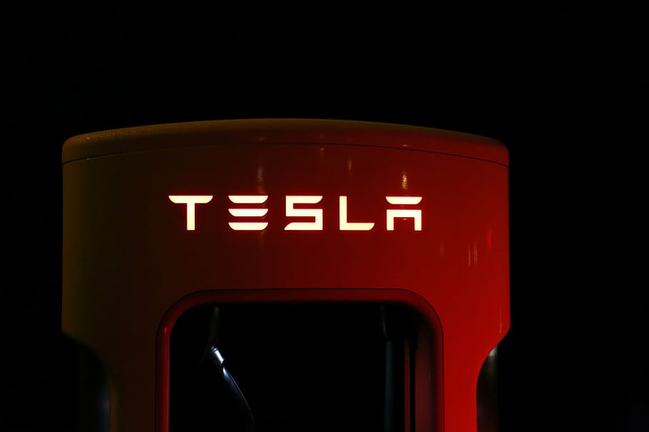"Morgan Stanley has downgraded an American electric vehicle and clean energy company Tesla to underweight from equal-weight amid China risks, Morgan Stanley's $650 price target, trimmed from $680, suggests about 33% downside. Morgan Stanley analyst Adam Jonas downgraded Tesla (NASDAQ: TSLA) from Equalweight to Underweight with a price target of $650.00 (from $680.00). Goldman Sachs analysts downgraded Tesla Inc. after the stock overshot their price target and bumped General Motors Co. up to a buy on a brighter outlook for global auto sales. While Goldman analysts led by Mark Delaney remain positive on Tesla for the long term, recent price cuts and production challenges with the new Model Y crossover cloud the electric-car maker's intermediate outlook. Morgan Stanley analyst comments ""We're Underweight due to our concerns around China, competition, capital needs and near term demand. The RR skew for TSLA is consistent with an Underweight rating."" ""Among the many risks facing Tesla at this time, we would rank risks related to U.S.-China relations at the very top,"" Jonas wrote in a note to clients. ""Many investors we speak with describe Tesla as the 'Amazon of Autos.' But we're asking: What if Amazon is the Amazon of Autos?,"" Jonas wrote. The Morgan Stanley analyst said that among the risks to his latest call on Tesla, he may be underestimating the company's longer-term China growth prospects. Separately, revenue from the company's ""internet of cars"" network could drive better-than-expected margins, he added. Tesla shares traded at price 972.84 USD -5.09% at 12 Jun, 7:05 am GMT-4"